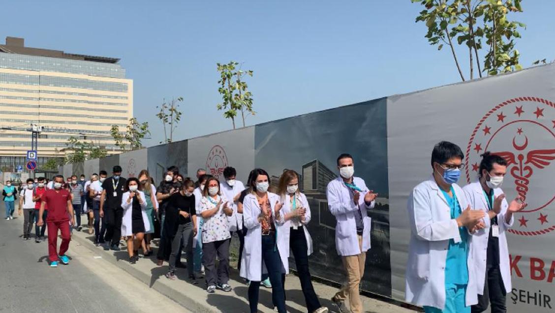 Çam ve Sakura Şehir Hastanesi'nde Ek Ödeme Adaletsizliğine Karşı Hekim Eylemleri 2. Gününde